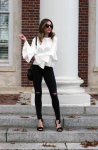 черные джинсы с белой рубашкой