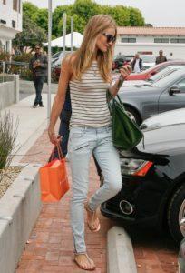 джинсы с босоножками