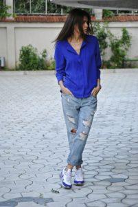 джинсы с кроссовками