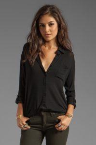 Блузка с джинсами: 5 стильных идей для гардероба
