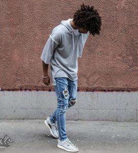 джинсы с толстовкой