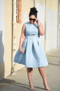 Стильные платья на полных девушек: фото модных образов