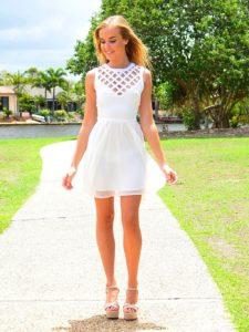 Какую одежду лучше носить девушкам: маленьким, худым, с широкими плечами