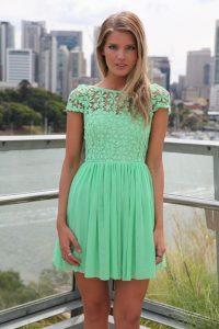 как выбрать короткое платье для девушки 16 лет