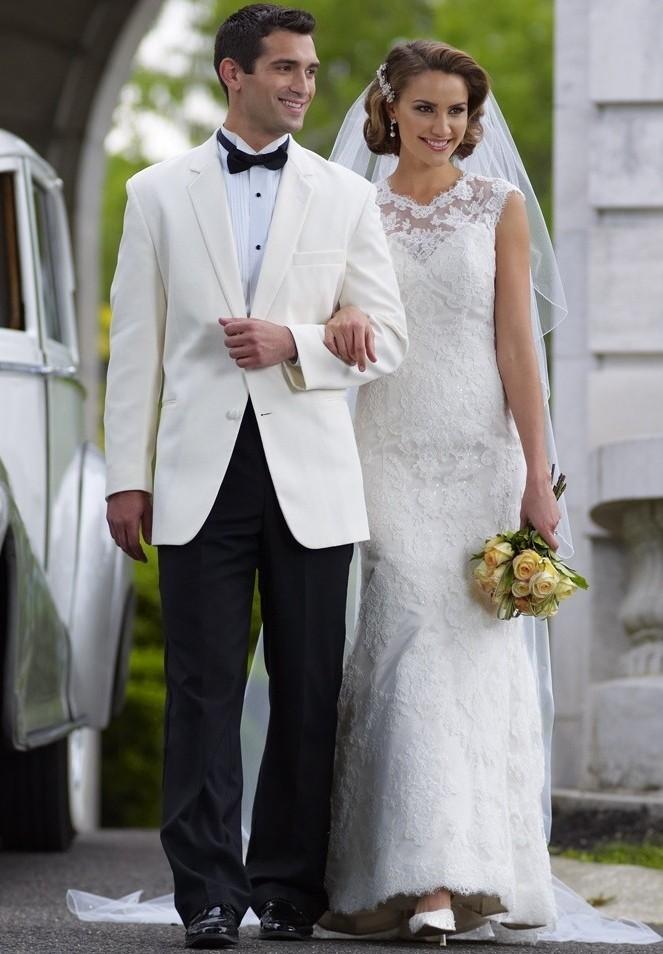 свадебные фото жених в белом опасное животное мире