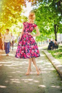 Повседневные платья для девушек:  как выбрать,  фото стильных образов