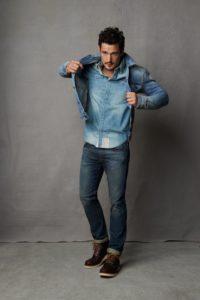 Мужская джинсовая рубашка: особенности выбора