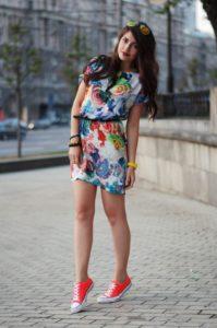 Какую одежду носят девушки: маленькие, худые, высокие, с широкими плечами