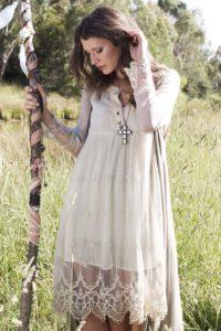 Платья бохо для женщин за 50: как выбрать + фото модных образов