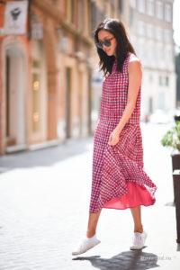Сочетание платье и кроссовок для девушек: фото стильных образов