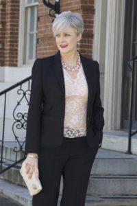 Капсульный гардероб для женщины 50 лет на каждый день: как составить?