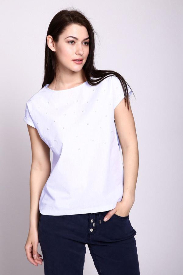с чем носить белую футболку