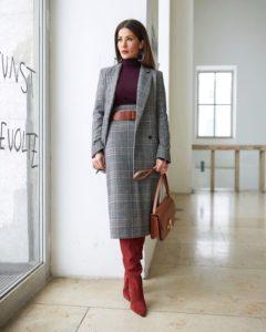 Стиль одежды для женщины 40 лет с короткой стрижкой