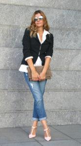 7 советов по выбору джинсов для женщины 40 лет