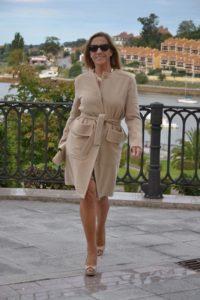 Одежда после 40 лет для женщин маленького роста:  9 советов по стилю