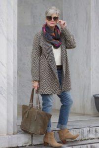 Пальто для женщин 60 лет осень-зима: как выбрать