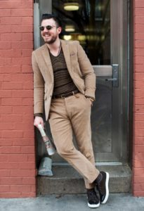 Как выбрать и носить классический мужской костюм?