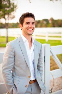 10 золотых советов как выбрать модную одежду парню 20 лет