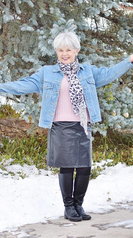 Как выбрать пальто женщине 60 лет: 17 вопросов и 4 модели