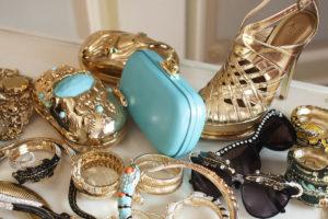 Аксессуары в гардеробе женщины: 5 секретов стильного сочетания с другими вещами