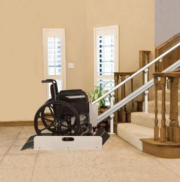 Лучшие лестничные подъемники для инвалидов