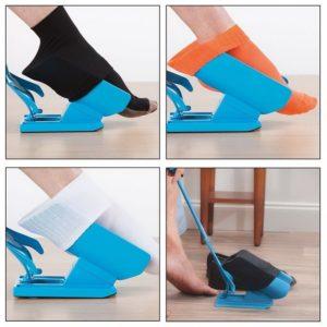 Какое приспособление для надевания носков  лучше выбрать для инвалидов и пожилых людей