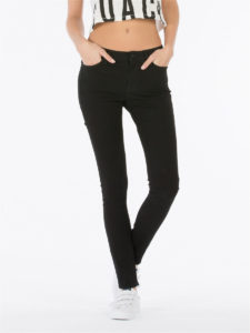 Топ 10 лучших  джинсов которые стройнят фигуру