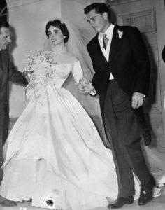 Самые дорогие свадебные платья в мире  с ценами и  фото