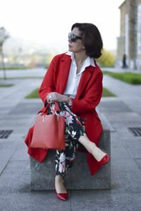 Как модно одеваться женщине после 50 лет?