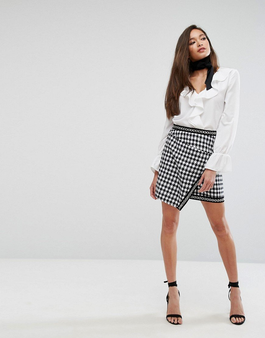 Как научиться одеваться женственно и красиво?