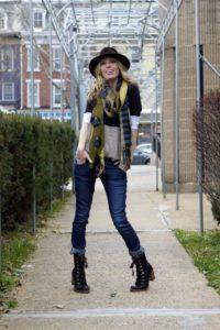 С чем носить женские  грубые ботинки на шнуровке?