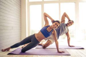 Советы по покупке  одежды для йоги  для женщин