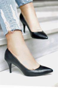 Какая обувь подходит к платью, виды женской обуви