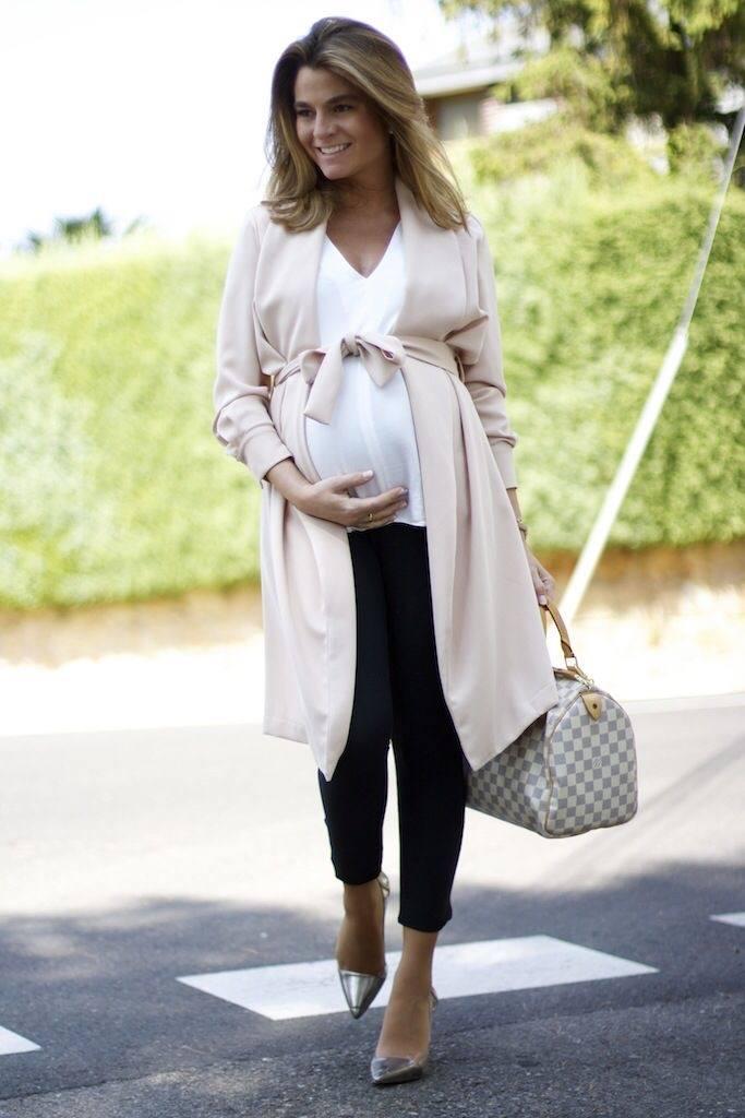 Как модно одеваться во время беременности