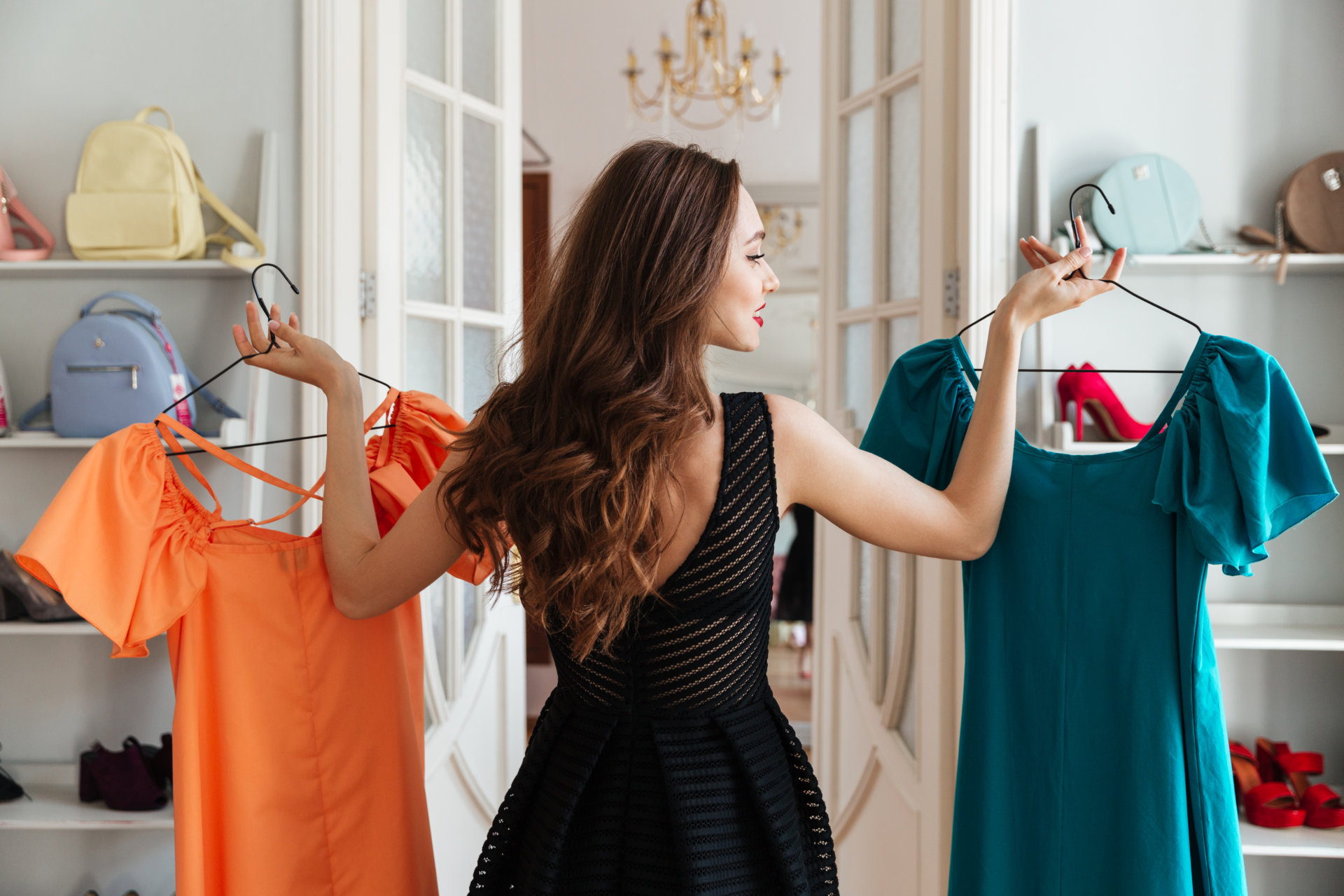 Как правильно примерить одежду дома и в магазине?