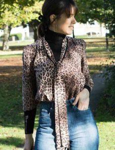 Идеи стильных образов  с   женскими джинсами с высокой талией