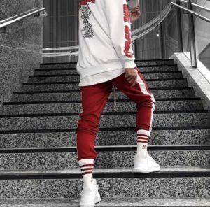 С чем носить спортивные брюки: идеи стильных образов